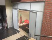 Перегородка с дверью в столовую 2 фото